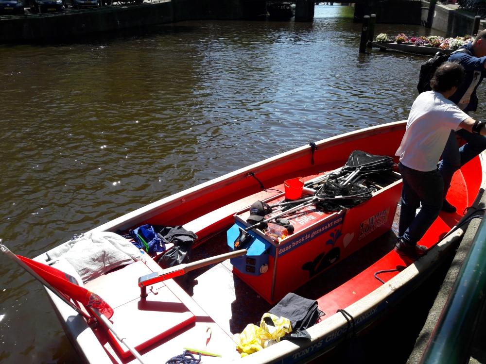 Amsterdam_plastic _boat_rr